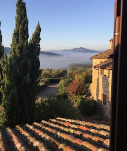 Newly listed characterful Apt. with pool and views - Panicale - 公寓