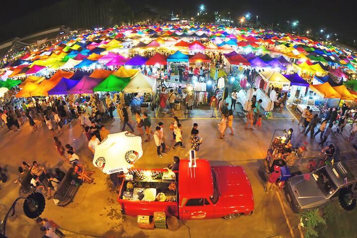 Train Night Market to 2min & MRT to 3min,  House