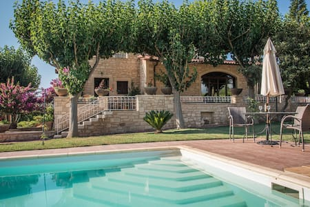 Villa Agapi-stone built in a farm - Loutra - Willa