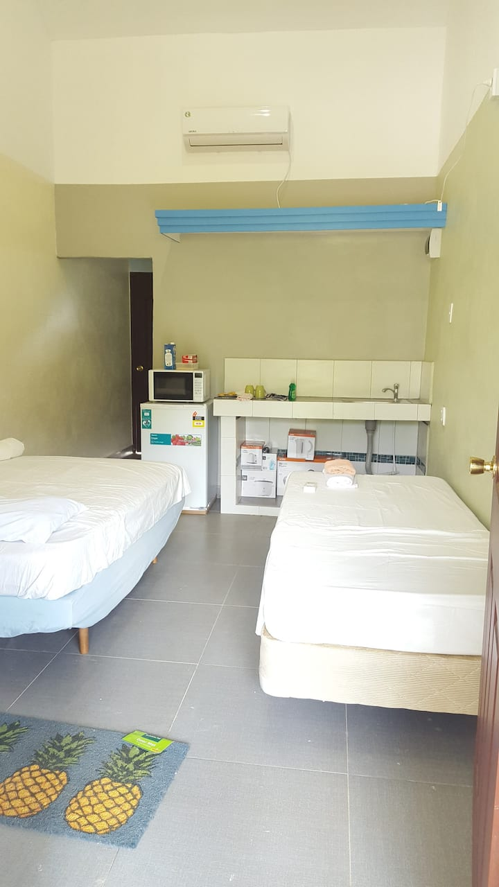 Single Room (Unit 8)
