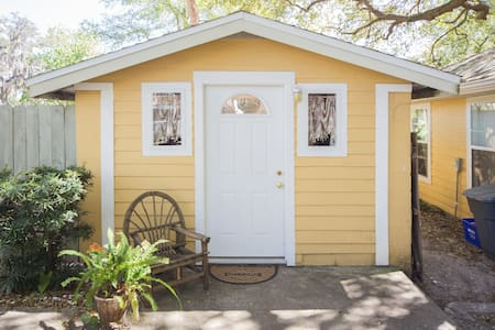 Cute Cottage in Clearwater/Dunedin - Clearwater - Cabane