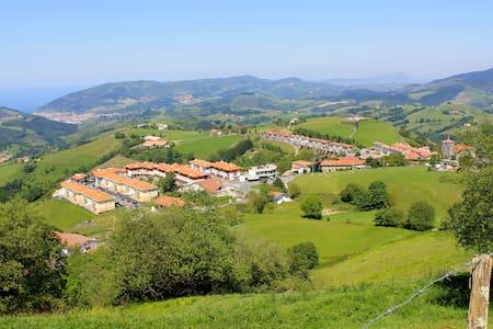 Apartamento Rural  junto al mar y montaña - Wohnung
