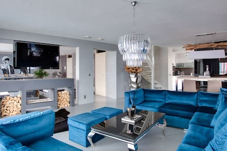 Penthouse in the heart of downtown