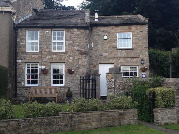 Grade 2 Listed traditional stone  Dales Cottage