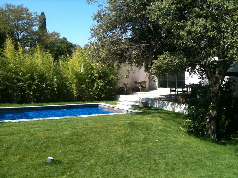 Villa d 39 architecte avec piscine villas louer saint - Location cote d azur avec piscine ...