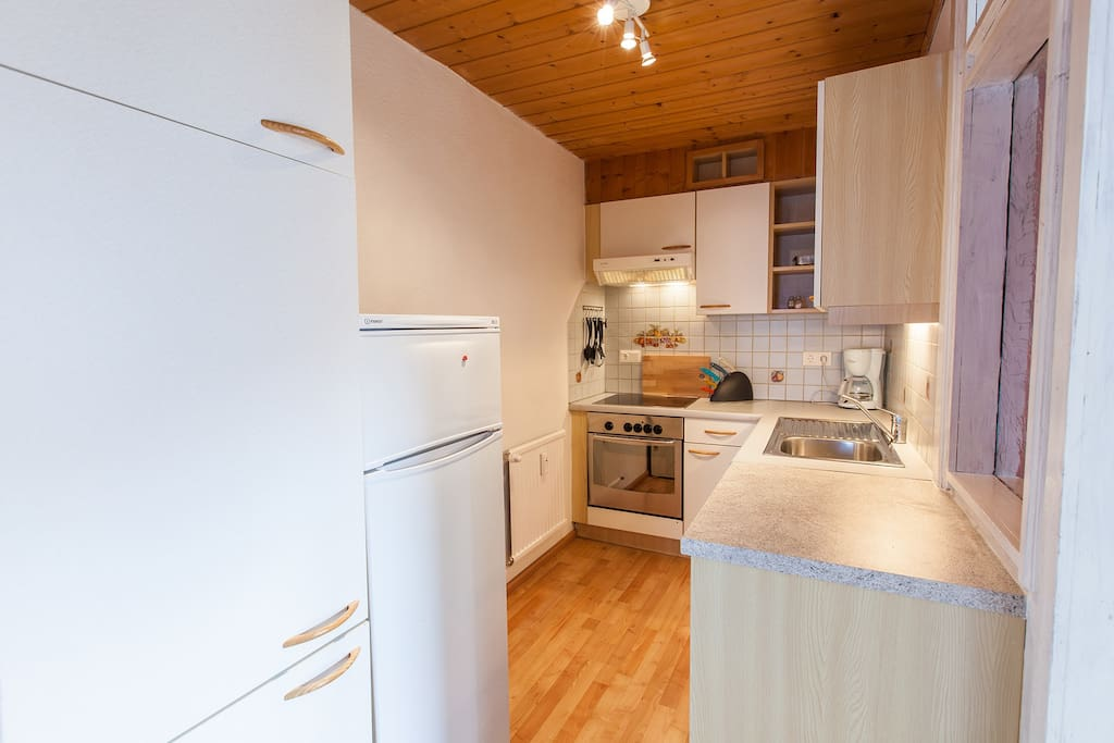 Küche - komplett ausgestattet für 6 Personen (Geschirrspüler)!