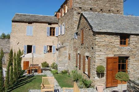 Maison d'exception en Corse pour 10 - Castello-di-Rostino - Casa