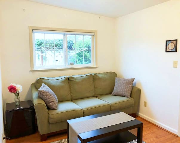 Spacious Studio/ ONLY 7  mins drive to SFO Airport