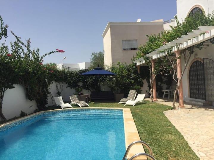 Villa Skander avec piscine à Hammamet Yasmine