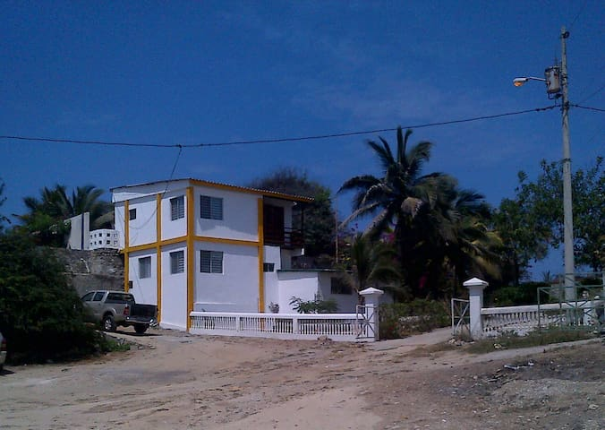 Beautiful Town-House Pacific Ocean - Santa Elena - 一軒家
