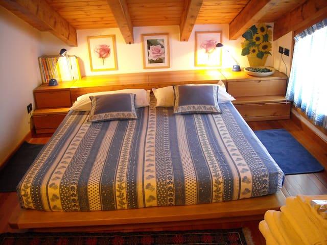 Camera n. 2 della suite.