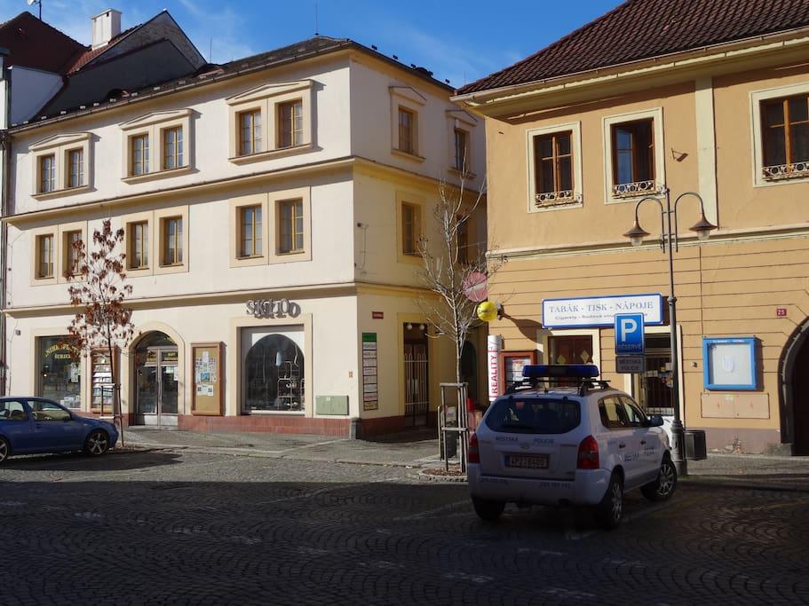 Vlevo - Primabyt, Klostermannova 4