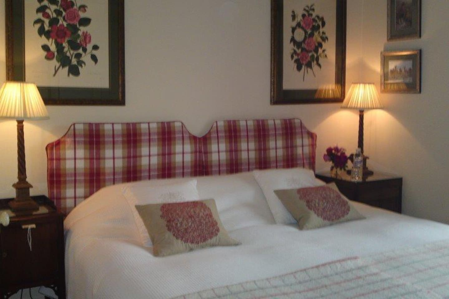LILLIE LOCH Superking or twin bedroom