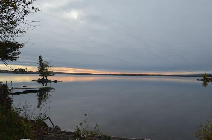 Round Lake Hideaway