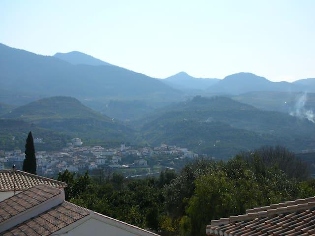 B&B in Spanish White Washed Village - Melegís - ที่พักพร้อมอาหารเช้า