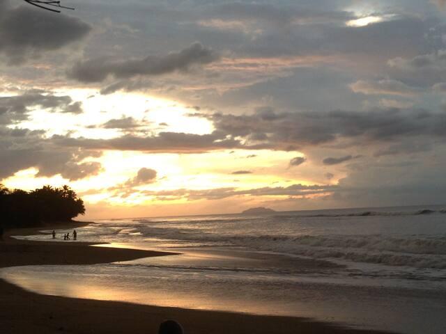 OCEAN-FRONT HOME RINCON RESORT TYPE - Aguada - Villa