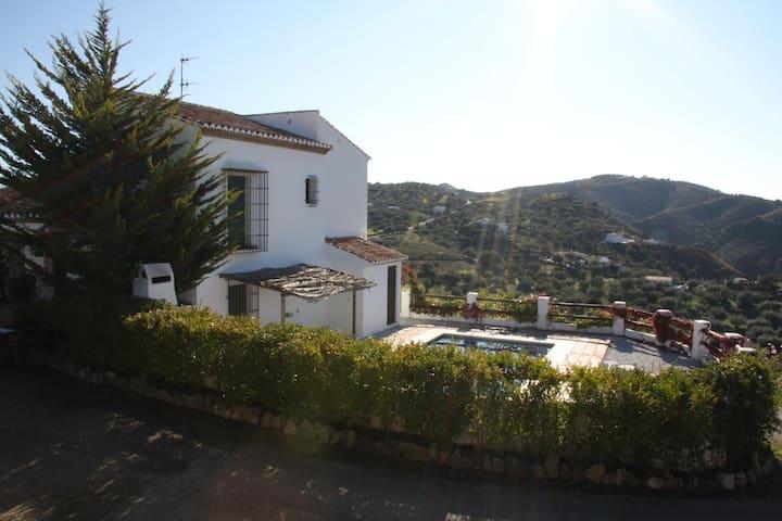 Casas de Cantoblanco 1 - Viñuela - Hus