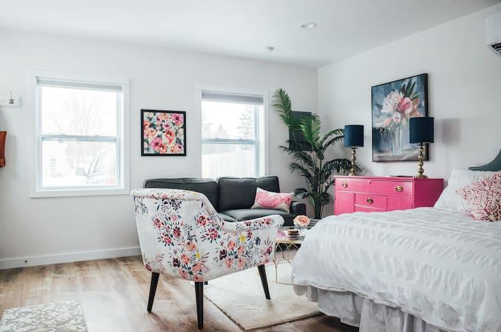 Luxury Tiny Cottage
