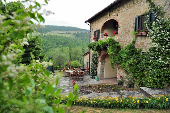 Le Miccine Private Villa in Tuscany for 6 w/ Pool