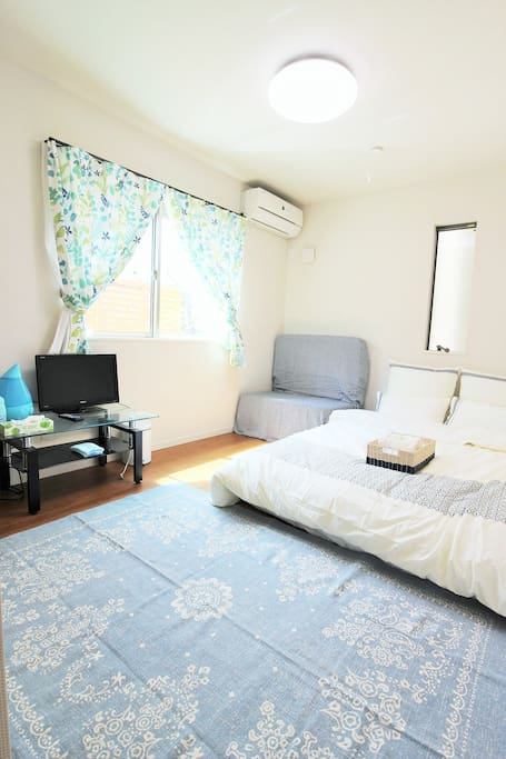 1doublebed,Sofa bed,TV