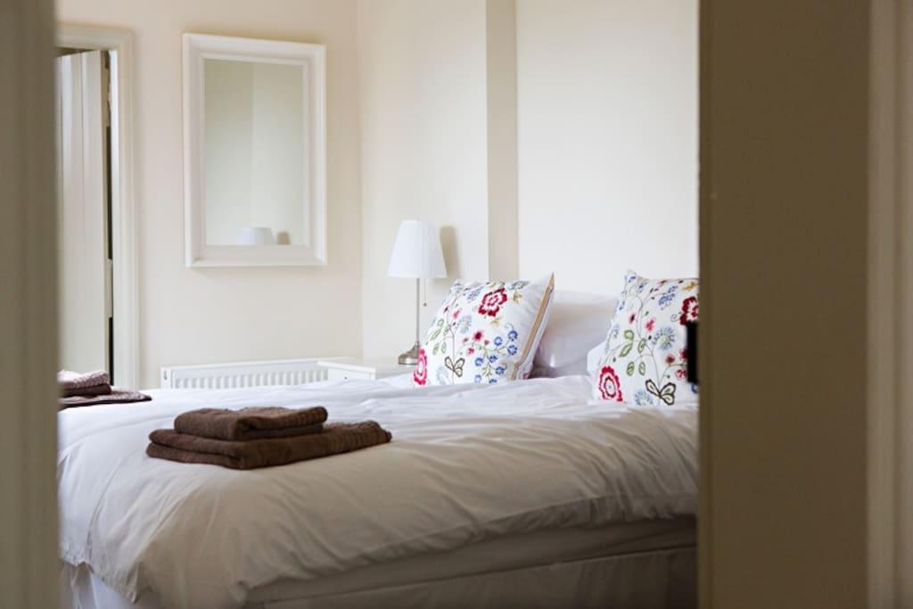Holly Farm Twin Bedroom