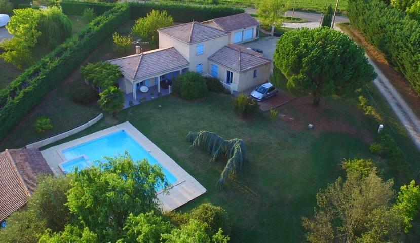 Chambre confortable dans villa à Lectoure
