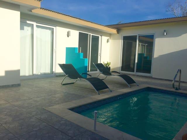 NEW LOCATION !!! Zoe Resort-In heart of Oranjestad - Ораньестада - Квартира