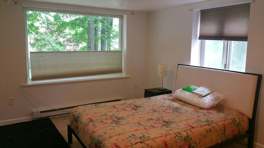 Lakeside Studio - Private bath, Private entrance! - Ridgefield - Byt