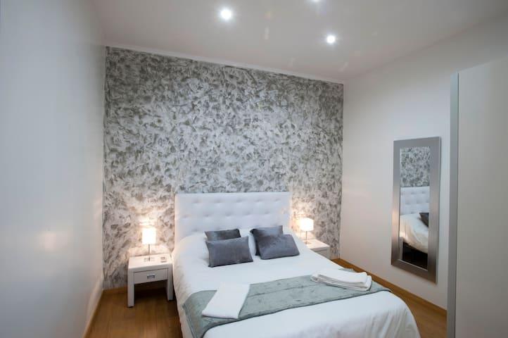 Cozy Apartment Diagonal-Sagrada Familia