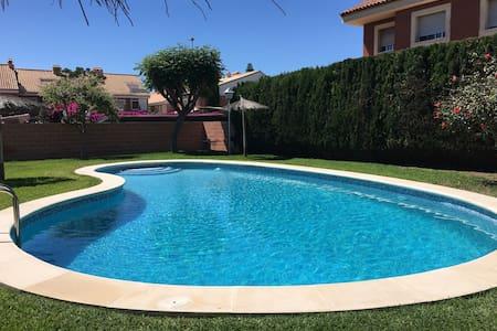 "Casa ""Barbacoa y Playa"" San Juan Playa - Alicante - Cabana"