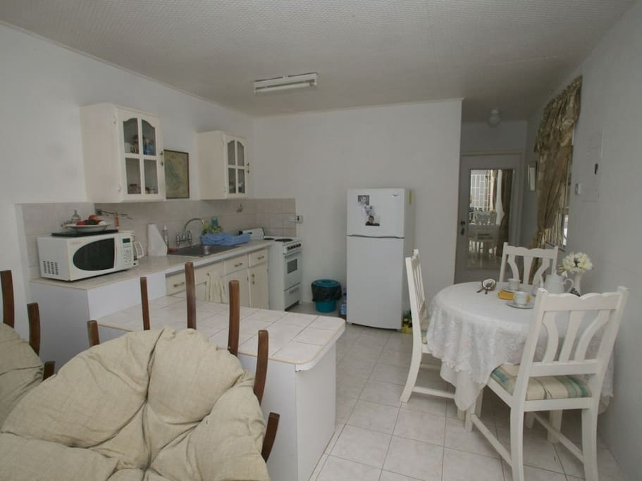 Suits Me Too One Bedroom Apartments For Rent In Oistins Christ Church Barbados