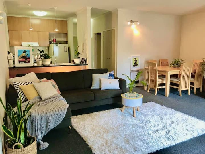 Spacious home in Southbank 5 mins frm NGV / CBD