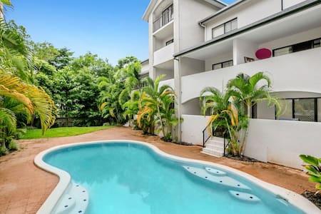 Cairns Resort Style Apartment - Parramatta Park - Daire