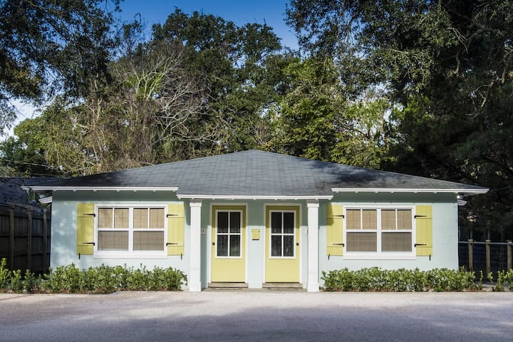 Adorable 2BR 1BA walk to beach!! - Saint Simons Island - Departamento