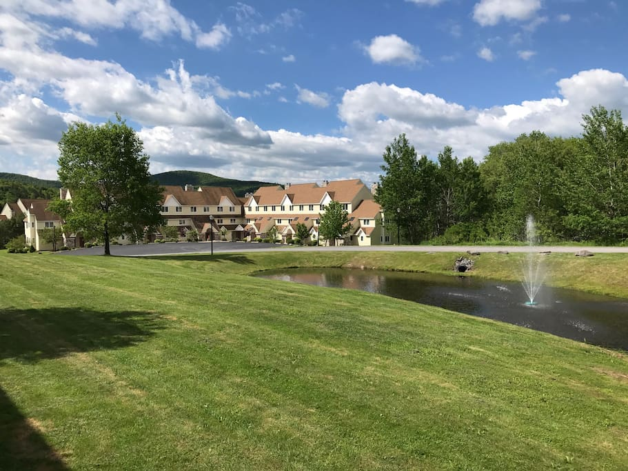 Crystal Pond Townhouse complex located close to all the mountain top has to offer