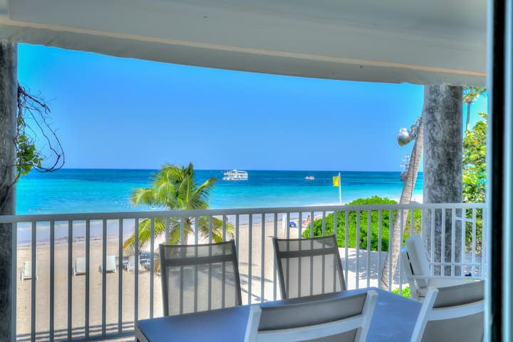 Exclusive Beachfront 2-Bedroom Apartment H-202