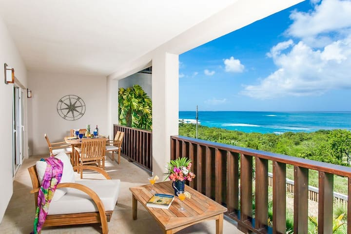 """Shoal Bay #1 Beach by """"Refined Retreats""""~King Bed~Full Kitchen~Amazing Views!"""