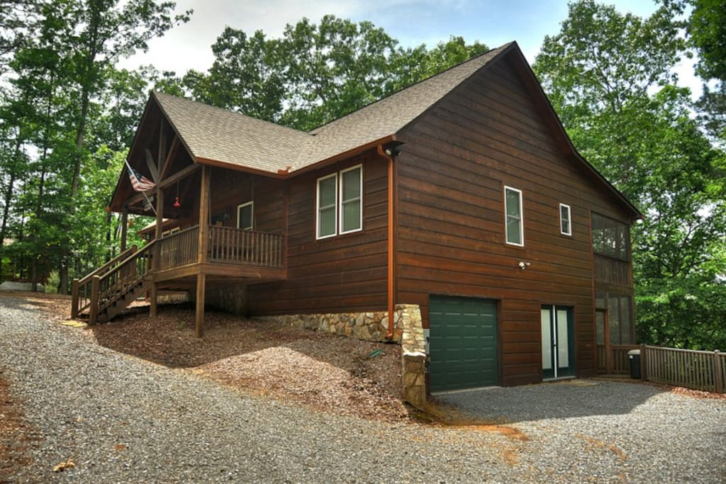 Mlc dragons den cabins for rent in ellijay georgia for Ellijay cabins for rent by owner
