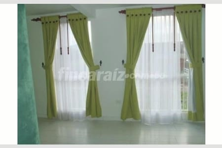 220 USD SEMANALES Acogedor apartamento DUPLEX - Facatativá