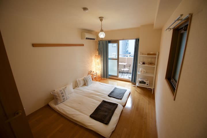 Cozy studio flat, 1min to subway - Naniwa Ward, Osaka - Apartamento