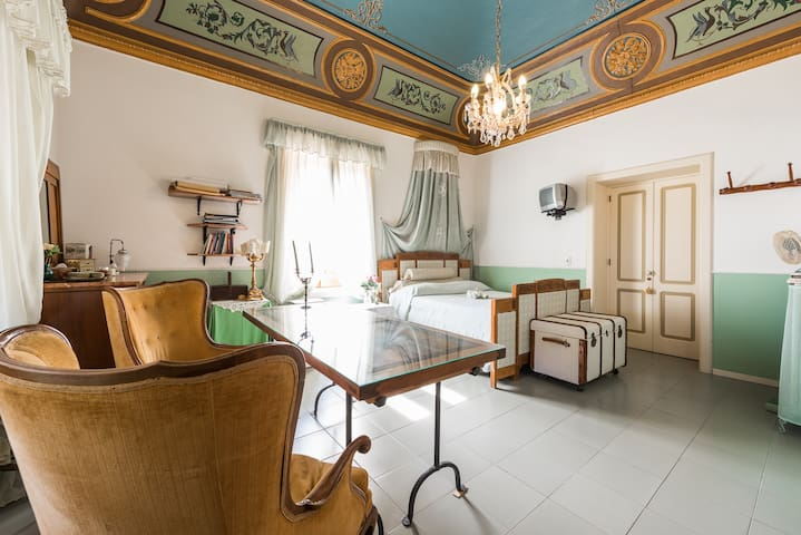 Suite  in B&B per 4 pax vista mare a Salina