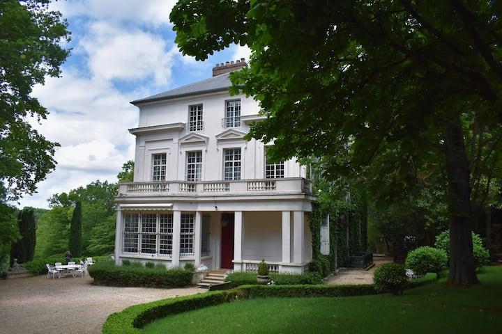 Château Moderne et Spacieux avec Parc et Piscine