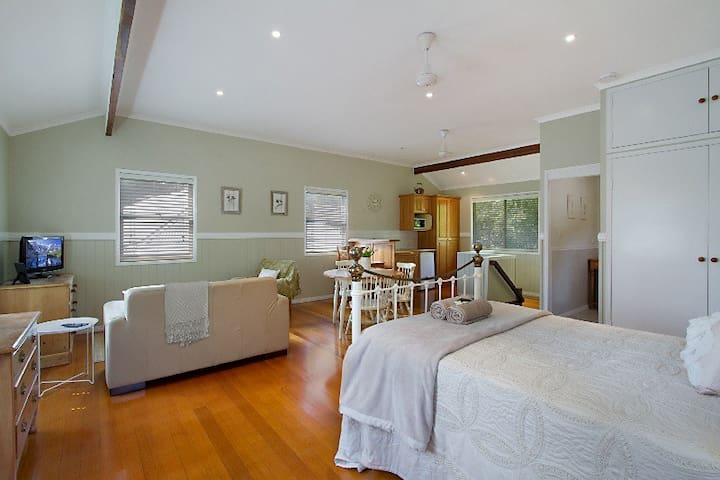 Gold Coast Acreage Self-contained Studio Apt - Worongary - Apartamento