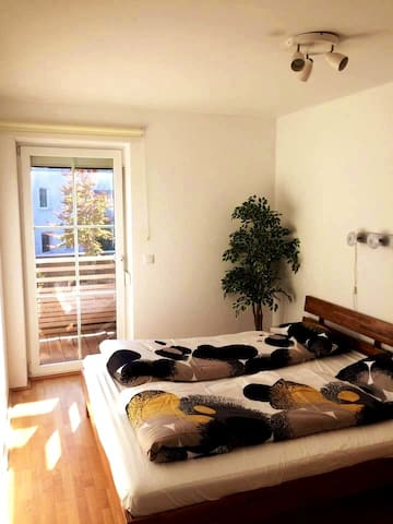 Private Room with Double Bed in Townhouse