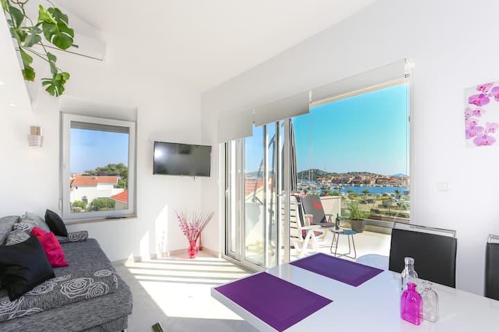 Breathtaking Penthouse Apartment in Tribunj
