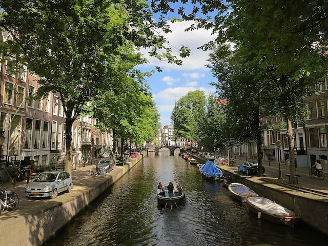 Double room in the heart of Amsterdam! - Amsterdã - Casa