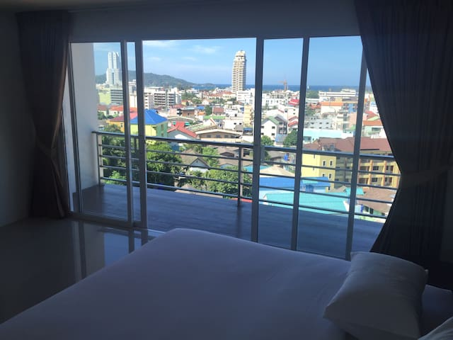 Relaxing Patong resort with great view