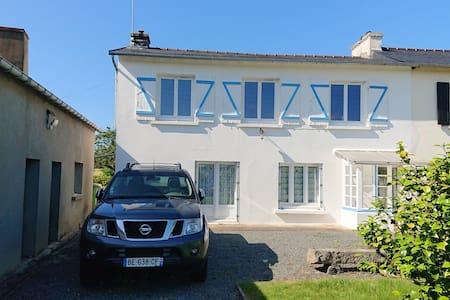 Bonita casa con jardín & terraza