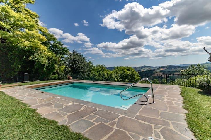 Villa delle Ginestre (piscina e vista panoramica)
