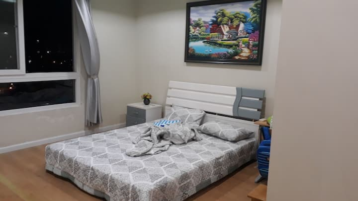 private bed room for rent.